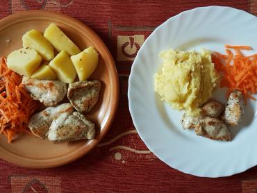 restované kuřecí s mrkví a bramborem